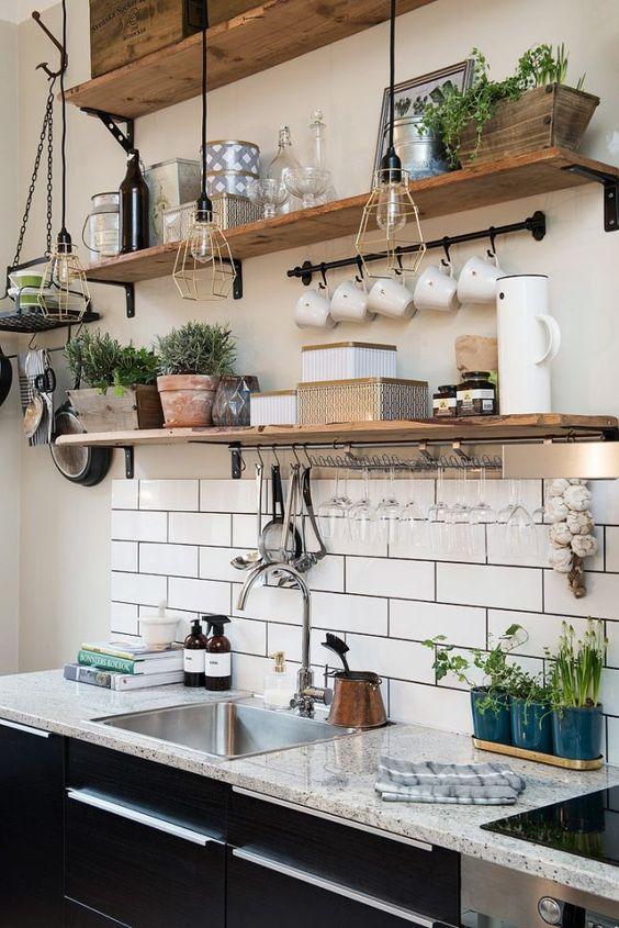Декоративные кухонные полки