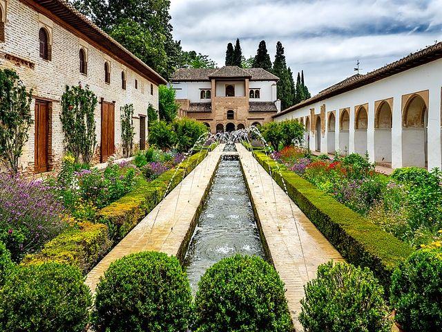Сады Альгамбра и Хенералифе
